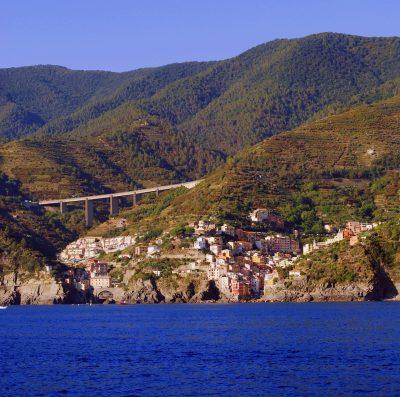 海、山、里奥马焦雷