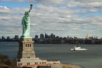 自由女神像、天际线、纽约城