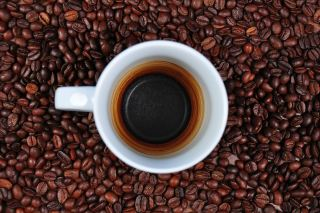 咖啡、空杯、咖啡豆