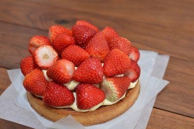 草莓、馅饼、蛋糕