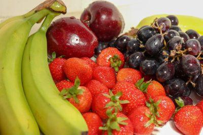 草莓、葡萄、菠萝
