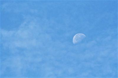 天空、月亮