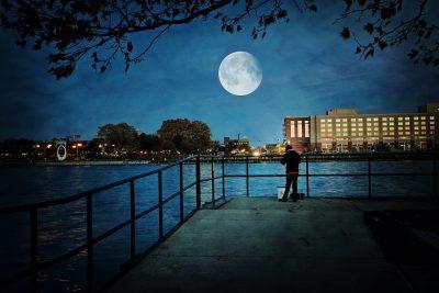 超级月亮、月亮、侧影