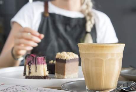 甜点蛋糕与饮料图片