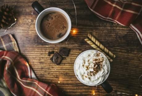 两杯咖啡的静物图片
