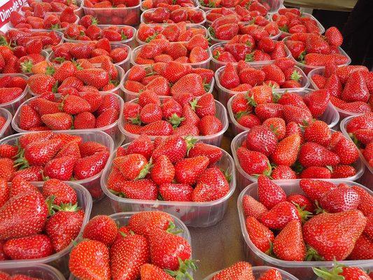 盒子里的草莓