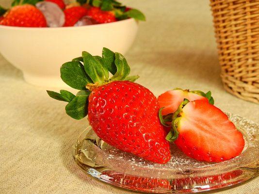 草莓、浆果、水果