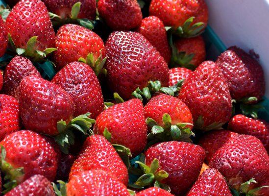 草莓、水果、浆果