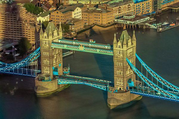 伦敦塔桥、美国