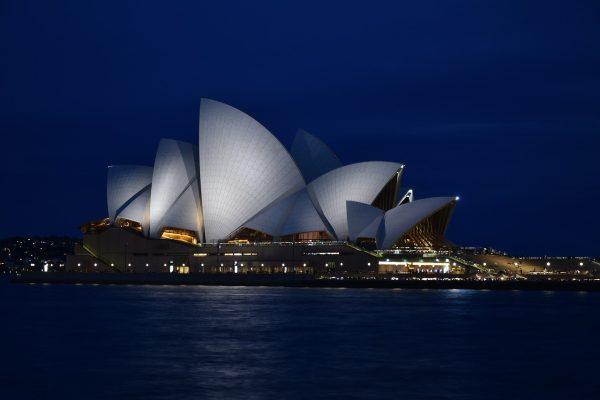 里程碑、悉尼歌剧院、暗蓝色的天空
