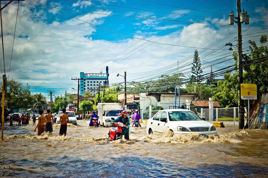 洪水、天气、阴雨天