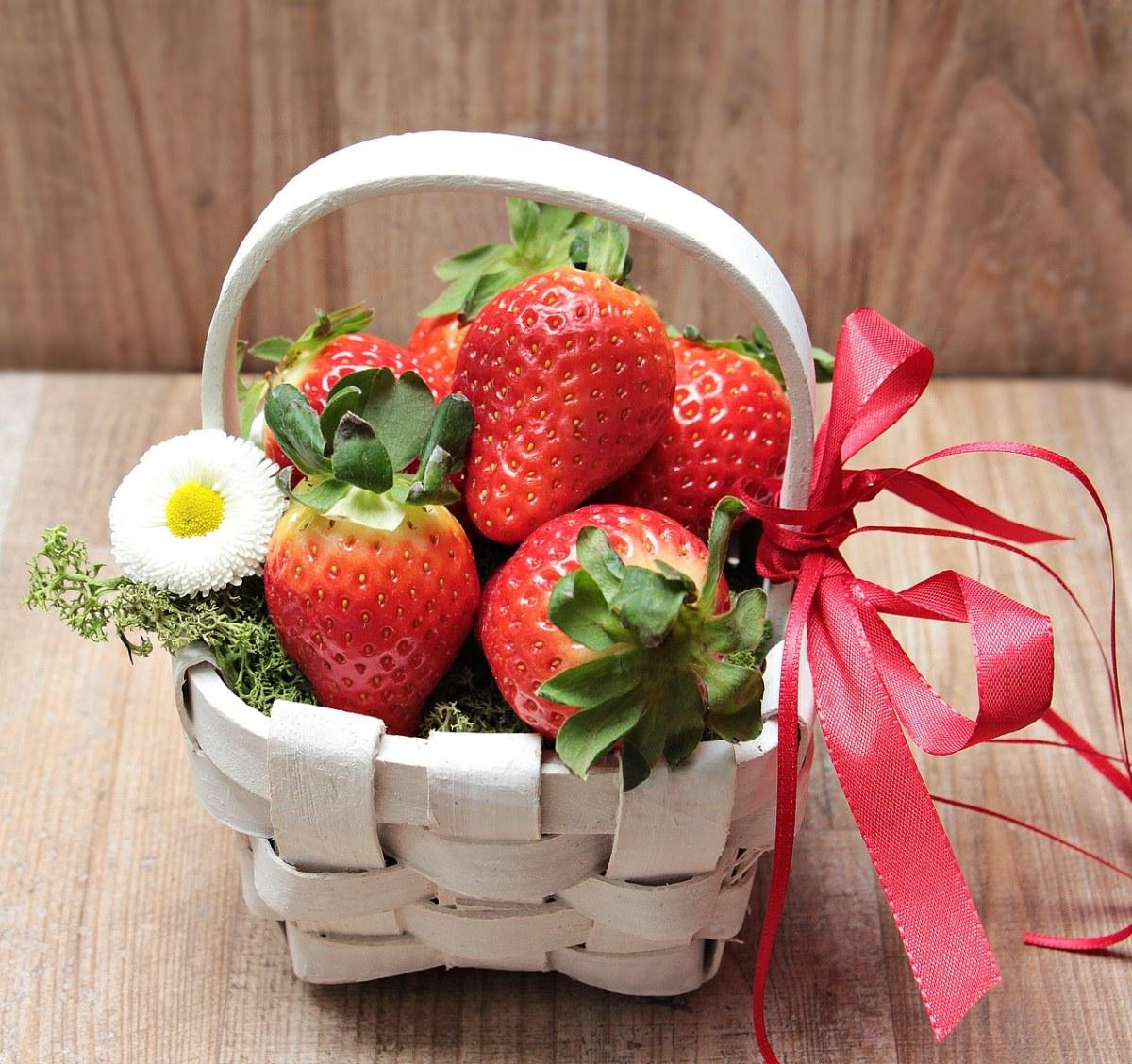 篮子里的草莓