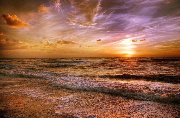 海上的黄昏日落