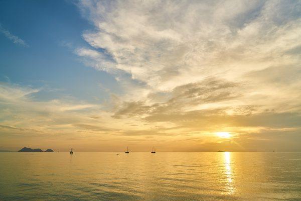 海上日出阳光