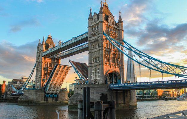 塔桥、伦敦、晚上