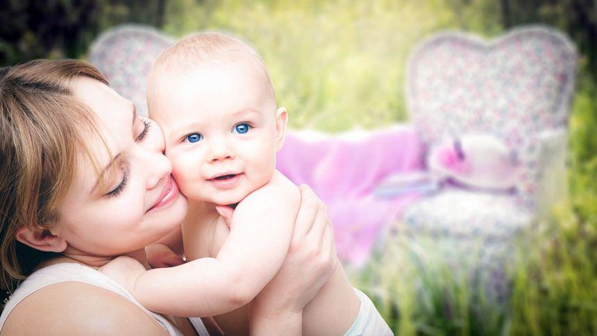 幸福母子的亲子人物