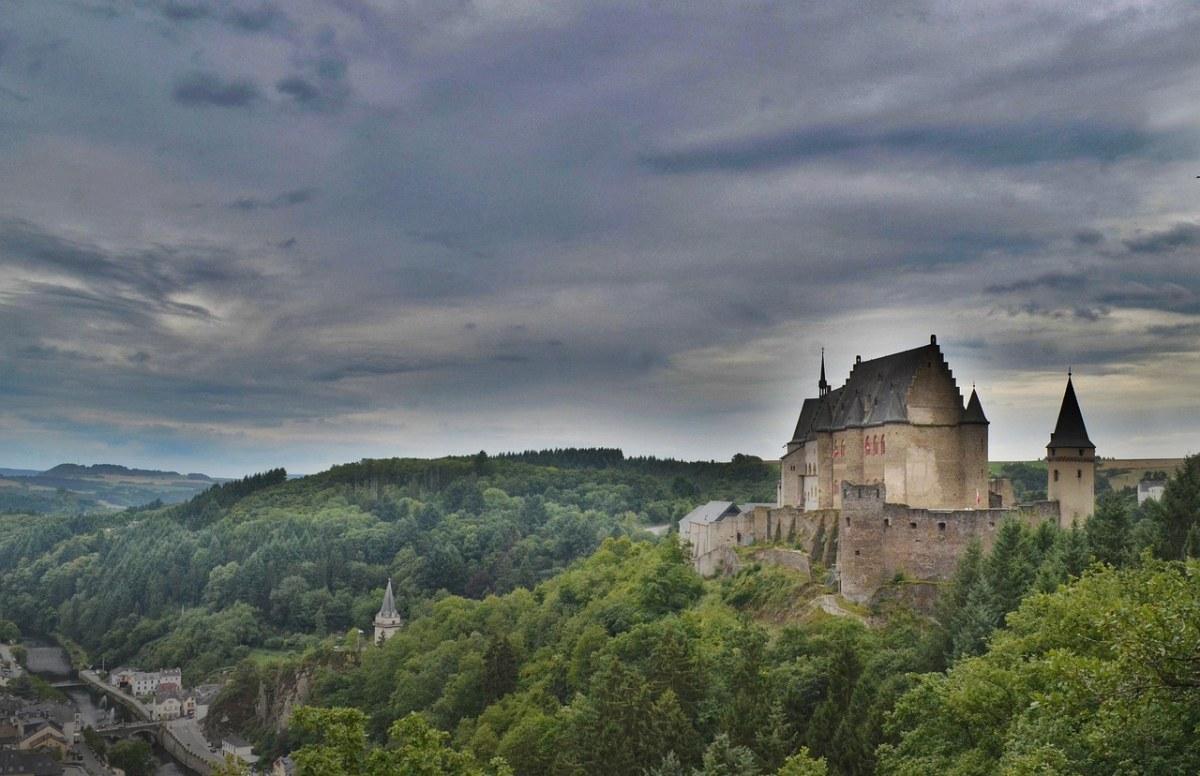 城堡、不祥、转塔