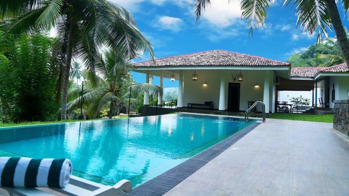 小型的私家露天游泳池