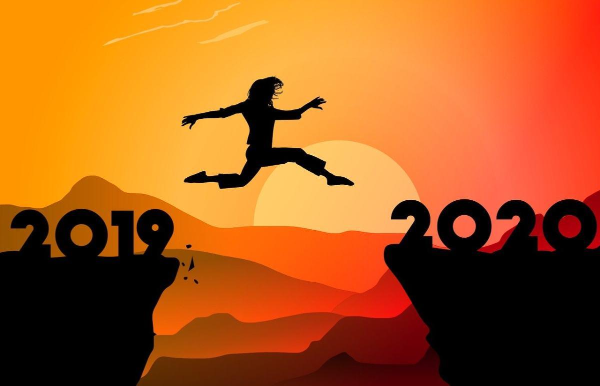 从2019年跨越2020年的新年图片